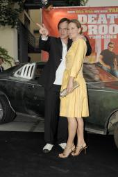 Der Regisseur unserer Nr. 3 mit seiner Hauptdarstellerin Zoe Bell Foto:Senator)