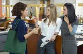 Auch Ginnifer Goodwin, Jennifer Aniston und Jennifer Connelly haben Probleme mit den Männern (Warner)