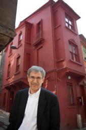 Orhan Pamuk eröffnet Museum in Istanbul
