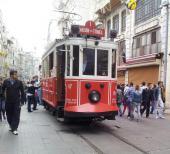 Die historische Trambahn auf der Istiklal Caddesi in Beyoglu-Istanbul (Bild: CineTreff-Archiv)